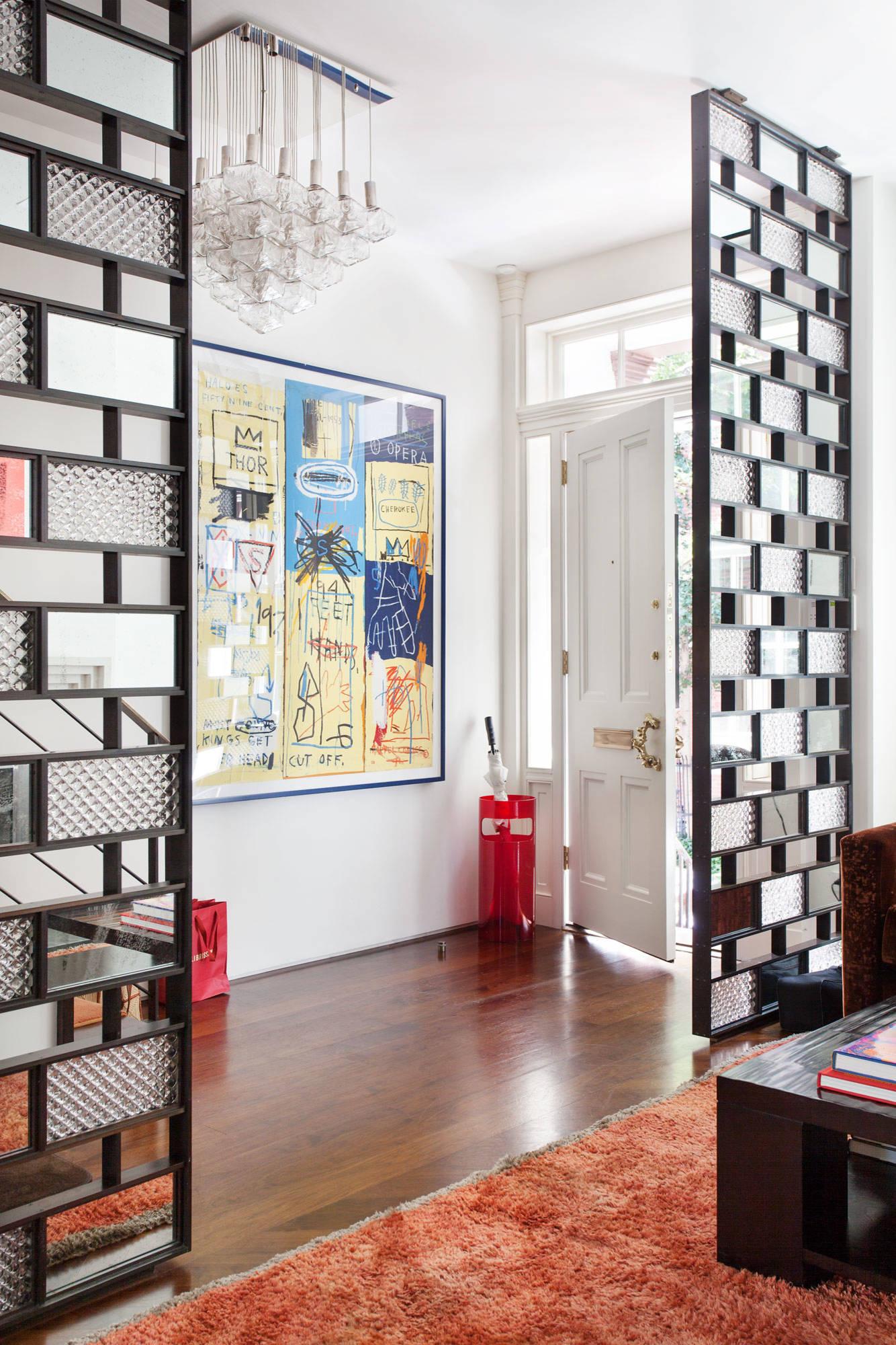 Biombos estilo moderno en sala de estar.