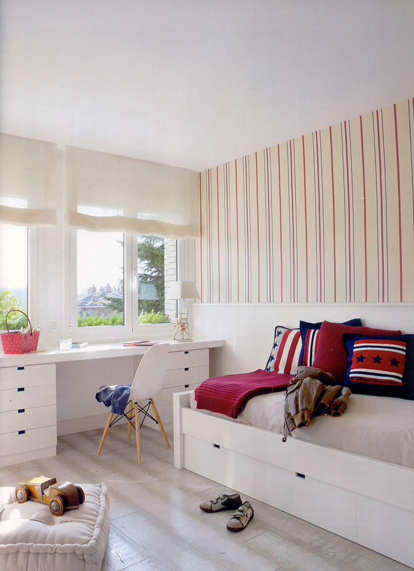 dormitorio juvenil estilo nórdico con escritorio