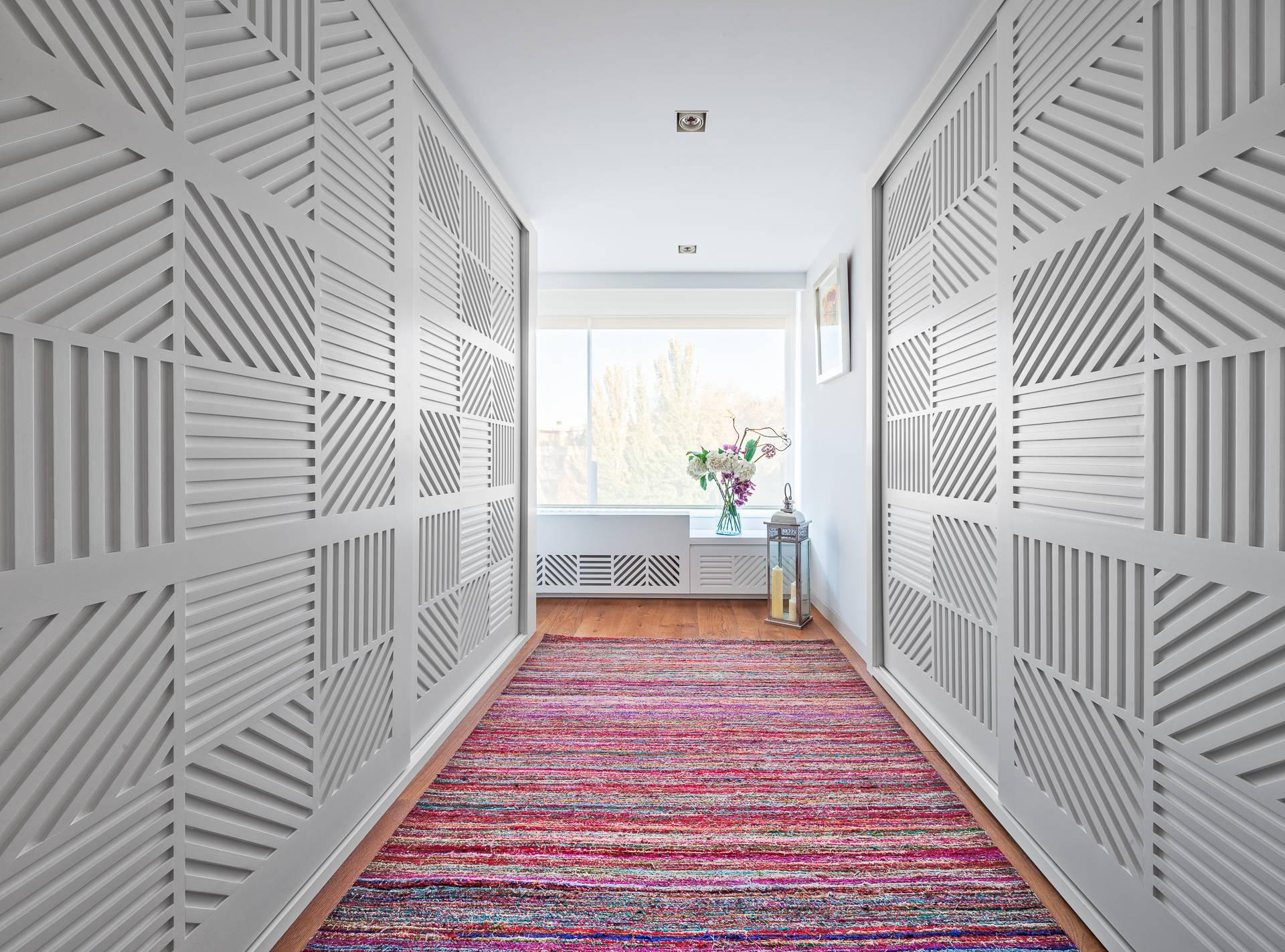 decoración con alfombras en pasillo