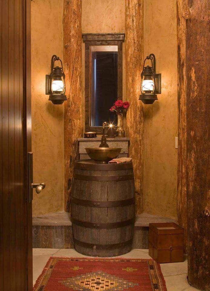 cuartos de baño rusticos, lavabo con forma de barrril