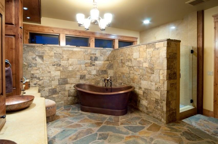 decoración de baños rústicos bañera de latón